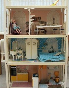 sindy doll house that I had when I was a little girl! Had working bath , lift/elevator etc 1980s Childhood, My Childhood Memories, Sweet Memories, Sindy Doll, Retro Toys, Old Toys, Toys For Girls, Vintage Dolls, Youth