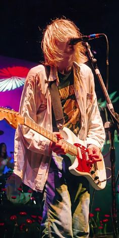 Kurt Cobain Photos, Nirvana Kurt Cobain, Mark Lanegan, Donald Cobain, Smells Like Teen Spirit, Music Aesthetic, Foo Fighters, Him Band, Cute Icons