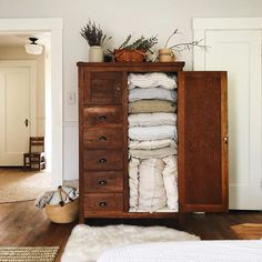 Luxurious European flax linen sheets, duvet covers, pillowcases, throws, robes and more. Our linen is pre-washed for softness. Linen Bedding, Bed Linen, Cozy House, My Dream Home, Home Decor Inspiration, Decoration, Sweet Home, Bedroom Decor, House Design