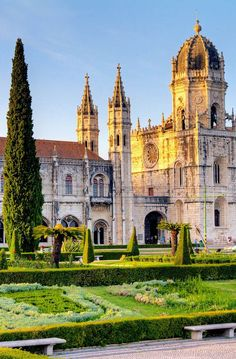 Beautiful View of the Hieronymites Monastery (Jeronimos), a UNESCO world heritage site, in Lisbon, Portugal #portugaltravel