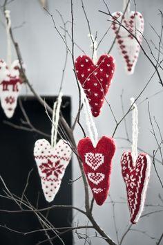 Valentines or christmas craft Swedish Christmas, Scandinavian Christmas, Country Christmas, All Things Christmas, Christmas Time, Christmas Holidays, Christmas Decorations, Christmas Ornaments, Tree Decorations