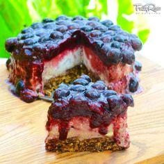 Raw Vegan Cake, Raw Vegan Desserts, Raw Cake, Raw Vegan Recipes, Vegan Sweets, Vegan Dishes, Healthy Desserts, Dessert Recipes, Kristina Carrillo Bucaram