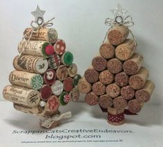 Craft Christmas Part Wine cork Christmas Trees. Great decoration for restaurant/bar or home decoration for the holidays. by joanne Wine Craft, Wine Cork Crafts, Wine Bottle Crafts, Wine Bottles, Soda Bottles, Noel Christmas, Homemade Christmas, All Things Christmas, Christmas Ornaments