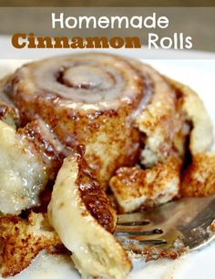 Homemade cinnamon buns from scratch. Sticky and delicious dessert . - Homemade cinnamon buns from scratch. Sticky and delicious dessert or breakfast. Köstliche Desserts, Dessert Recipes, Homemade Desserts, Recipes Dinner, Homemade Breads, Homemade Pastries, Lunch Recipes, Delicous Desserts, Juicer Recipes