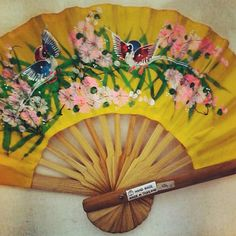 Hand painted hand fan. Beautiful !