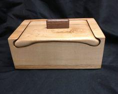 Hechos a mano madera de Sierra la joyería / por RGSWoodDesigns