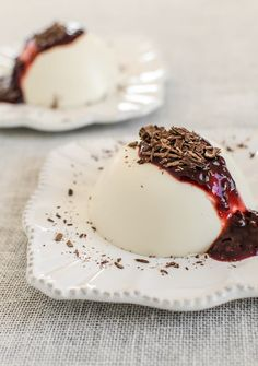 Last year I made an ardent case for panna cotta as the perfect dessert: it& easy, quick, practically foolproof, and accommodating to many dietary adjustments, being naturally gluten-free and adaptable to dairy-free and vegan diets Brownie, Italian Desserts, Dairy Free, Gluten Free, Sweet Tooth, Sweet Treats, Dessert Recipes, Party Desserts, Healthy Desserts