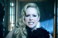 Video Premiere: Avril Lavigne - Let Me Go ft Chad Kroeger