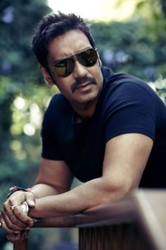 Ajay Devgan the famous Bollywood star real name is Vishal Veeru Devgan. He was born on April, Ajay Devgan was born in a Punjabi family to Veeru Devgan Bollywood Stars, Bollywood News, Bollywood Actress, Bollywood Fashion, Saif Ali Khan, Shahrukh Khan, Indian Celebrities, Bollywood Celebrities, Trailers