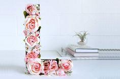 Letras decoras com flores.