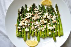 Gluten-free Roasted Asparagus with Chive Dressing