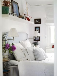 decor, interior, beds, beach houses, shelves, white bedrooms, stripes, guest rooms, upholstered headboards