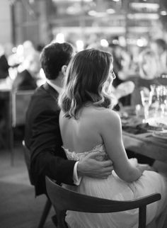 Photography : Elizabeth Messina Read More on SMP: http://www.stylemepretty.com/2016/11/30/a-mid-century-modern-style-la-wedding/