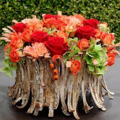 Bloemstukken Flora Design, Modern Flower Arrangements, Autumn Table, Sympathy Flowers, Deco Floral, Garden Architecture, Deco Table, Ikebana, Horticulture