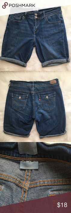 Levi's Jean Bermuda Shorts 515 Great condition Levi's Shorts, 515 style. No tears, rips or holes. Just in time for summer! 💕❤️💕❤️ Levi's Shorts Bermudas