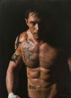 tom hardy | If you prefer your Hardy shirtless and bulky, try Turnt-Up Tom Hardy ...Lola likes!