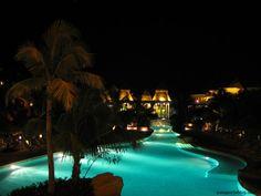 -Playa del Carmen, México- Piscina Hotel, In This Moment, World, Outdoor Decor, Travel, Playa Del Carmen, Caribbean, Pools, Viajes