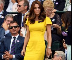 The Duchess of Cambridge reportedly abides by the Dukan Diet, a protein-heavy diet involving minimal carbs, for speedy weight loss. Kate Middleton, Herzogin Von Cambridge, Duchess Of Cambridge, Get In Shape, Health Fitness, Short Sleeve Dresses, Bodycon Dress, Weight Loss, Shirt Dress
