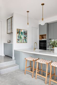 Kitchen Butlers Pantry, Kitchen Reno, Kitchen Ideas, Boutique Interior, A Boutique, Dining Room Table, Dining Area, Weatherboard House, Edwardian House