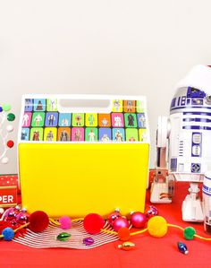 Check Out Why It's Going To Be A Star Wars x Igloo Coolers Holiday #ontheblog today! The best gift of the holiday season! #igloopartner