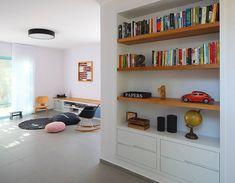 ספריה בתוך נישה. עיצוב: סטודיו דולו