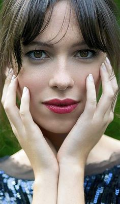 An English actress Rebecca Hall as Maya Hansen in Iron Man 3.@, A Cool Winter actress. Notice the cool pinkish skintone, typical of a CW