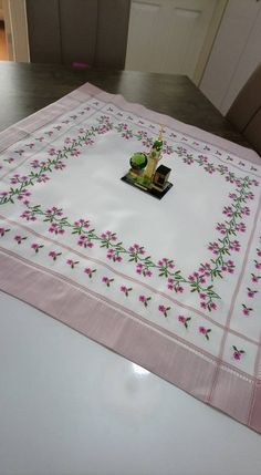 Crossstitch, Home Decor, Embroidered Towels, Pink, Handicraft, Needlepoint, Flowers, Cross Stitch, Punto Croce