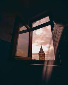 Istanbul Travel, Macbook Wallpaper, Calendar Wallpaper, Dark Photography, Beautiful Places To Travel, Istanbul Turkey, Sunrises, Nature Wallpaper, Aesthetic Wallpapers