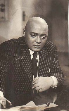 Peter Lorre in Mad Love, 1935 Sci Fi Horror, Horror Movies, Peter Lorre, Old Hollywood, Classic Hollywood, Face Men, Sean Connery, Madly In Love, Old Pictures