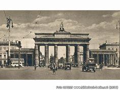 BrandenburgerTor, Pariser Platz, 10117 Berlin - Mitte (1936)