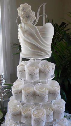Hermoso pastel de bodas
