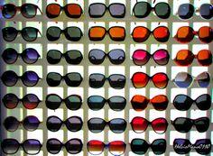 OTICA - escolhendo óculos em uma ótica em Petrópolis - Rio de Janeiro - Brasil