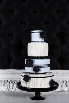 #modern black & white wedding cake... Wedding ideas for brides, grooms, parents & planners ... https://itunes.apple.com/us/app/the-gold-wedding-planner/id498112599?ls=1=8 … plus how to organise an entire wedding ♥ The Gold Wedding Planner iPhone App ♥