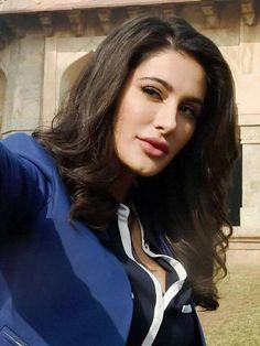 So Beautiful Nargis Fakhri  #ILoveYouMyBeautifalMom Nargis Fakhri Photograph NARGIS FAKHRI PHOTOGRAPH   IN.PINTEREST.COM BLOG #EDUCRATSWEB