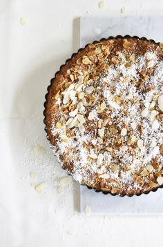 almond cake, (gluten/dairy/refined sugar-free).