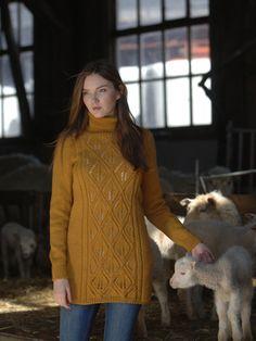 Naisen neuletunika Novita 7 Veljestä | Novita knits