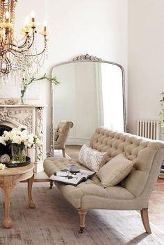 Gorgeous 20+ Incredible Parisian Eclectic Decor https://modernhousemagz.com/20-incredible-parisian-eclectic-decor/