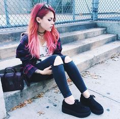 Todays look in old and new threads Grunge Outfits, Grunge Fashion, Girl Outfits, Outfit Cabello, Moda Ulzzang, Dress Up, Cheer Hair, Luanna, Fantasy Hair
