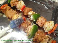 Les plats cuisinés de Esther B: Marinade délicieuse pour le poulet Sauce Sriracha, Esther, Vinaigrette, Chicken, White Wine Vinegar, Pork, Vegetable Dips, Meal, Cooking Food