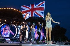 Style perfomance (with guests) // 1989 Tour: London