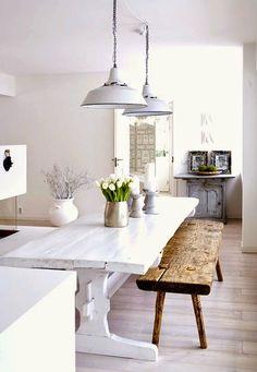 Je eet, werkt, praat, leest en knutselt er misschien wel aan: de eettafel. Het is daarom een van de belangrijkste meubels in je huis. En omdat..