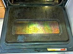 Spatters and drips are an inevitable part of using your oven. Fortunately, cleaning your dirty oven is a lot easier than you think. This simple method takes almost all the elbow grease out of the job and works while you sleep! Cleaning Oven With Ammonia, Homemade Oven Cleaner, Cleaners Homemade, Diy Cleaning Products, Cleaning Solutions, Cleaning Hacks, Household Cleaners, Household Tips, Useful Tips