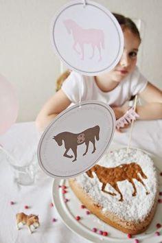 Das ist eine tolle Themaparty für meine Tochter: eine Pferdeparty! Merke ich mir für den nächsten Kindergeburtstag