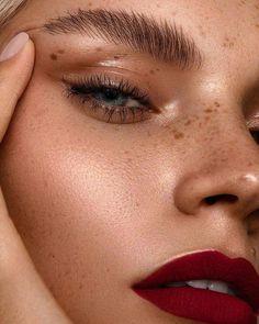 Sobrancelhas naturais – a tendência continua em 2020 - Natural eyebrows - the trend continues in 2020 - be continued - be continued Matte Lip Color, Matte Lips, Lipstick Colors, Lipsence Lip Colors, Lip Colour, Natural Eyebrows, Natural Makeup, Makeup Inspo, Makeup Inspiration