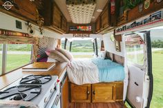 30 Amazing Photo of Camper Van Living Inspiration. Most people seem to be living in vans solo. Before diving into the van living lifestyle, it's well worth noting that we're speaking about people looki. Bus Life, Camper Life, Rv Campers, Bus Camper, Equipement Camping Car, Minivan Camper Conversion, Conversion Van, Sprinter Conversion, Do It Yourself Camper