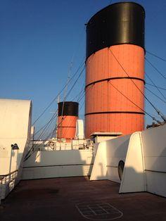 RMS Queen Mary Queen Mary Ship, Cunard Ships, Rms Queen Elizabeth, Long Beach California, Steamers, Cruise Ships, Continents, Color Inspiration, Boats
