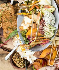 8 Genius Holiday Entertaining Ideas From A-list Caterers Party-planning powerhouses Matt Poley and Tara Maxey of Heirloom LA serve up their go-to hosting moves for the season.