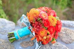 details-bridal-bouquet-pink-coral-orange