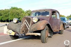 Art Deco Car, Citroen Traction, Traction Avant, Rusty Cars, Abandoned Cars, Vintage Trucks, Kustom, Old Cars, Cars And Motorcycles