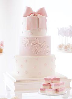 love the polka dot butterflies!  |  by Kiss My Cakes via HWTM
